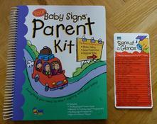 Kniha o znakování v angličtině baby signs,