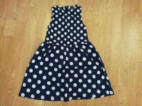 Dívčí šaty, 122