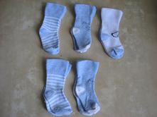 Dva sety ponožtiček, lupilu,18