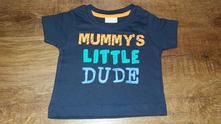 Tmavě modré triko s nápisem, baby,62