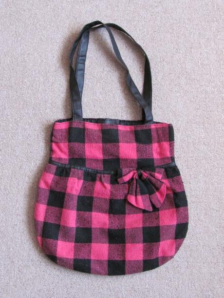 Dívčí taška,