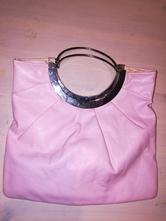 Růžová kabelka do ruky,
