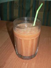 SVAČINA: hroznové víno, mandarinky, dvě jahody z mrazáku :-D a voda
