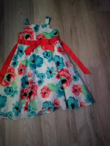 Krásné šaty, 98
