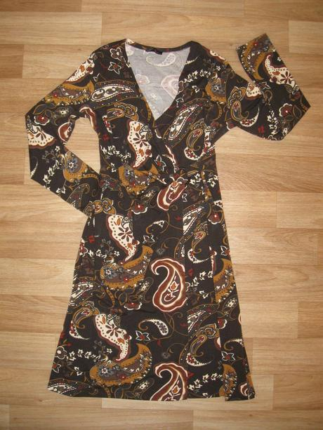 Šaty s dlouhým rukávem, 38