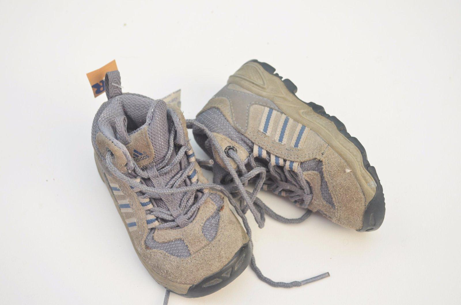 932056be49f Dětské kotníkové boty tenisky adidas
