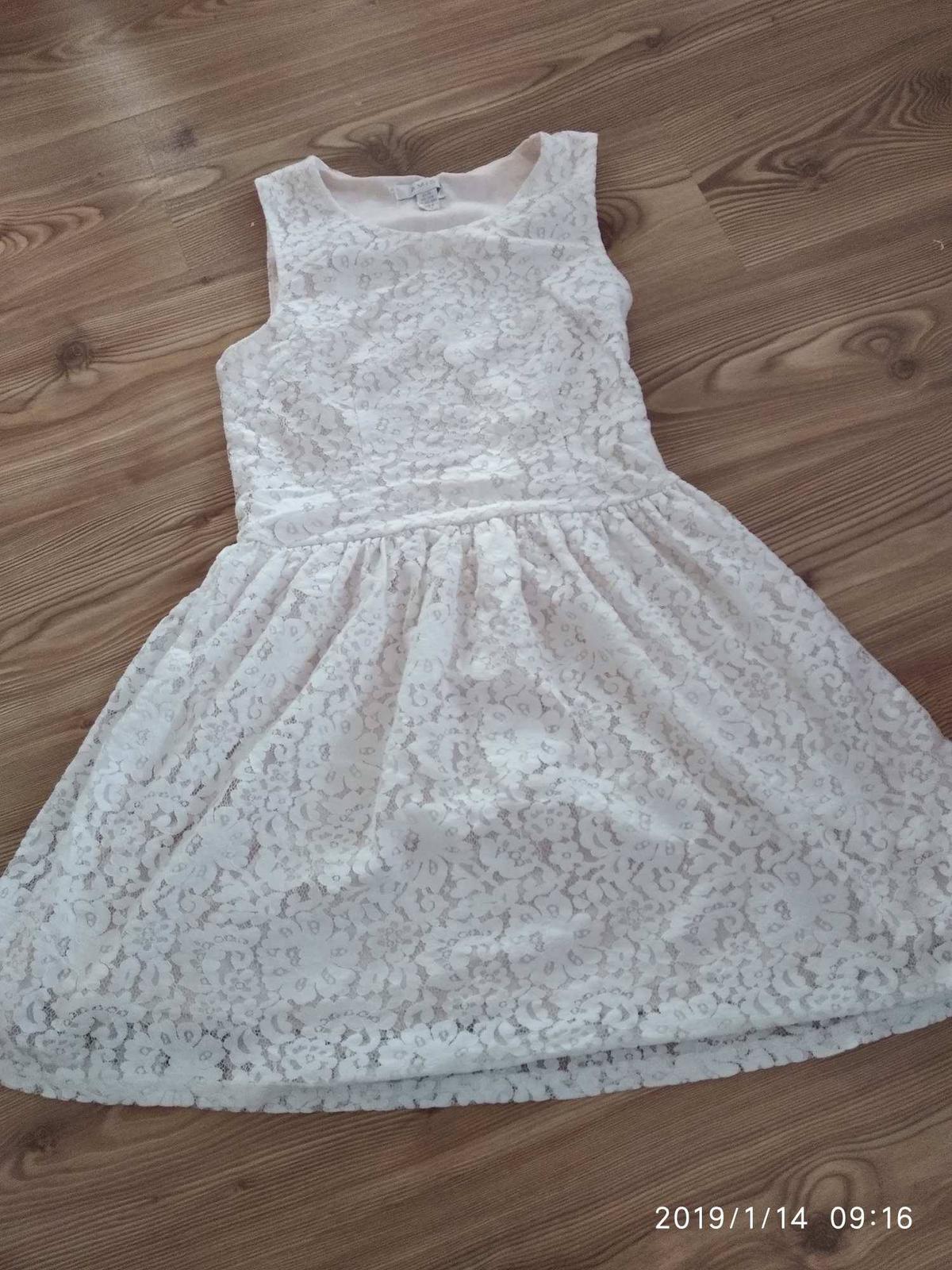 915a19fb373 Dámské šaty