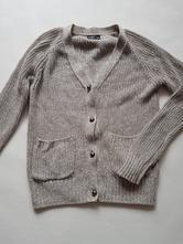 Béžový svetřík, 134