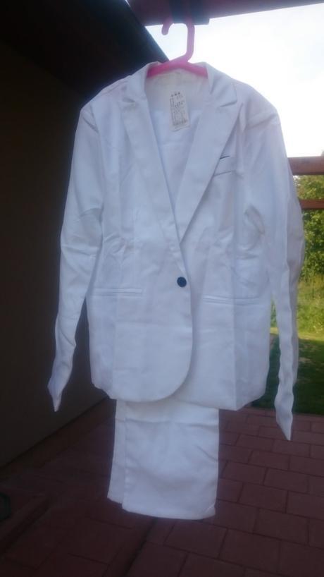Bílý pánský oblek, m