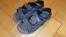 Sandále, 32