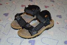 29 30 trekové sandálky, 30