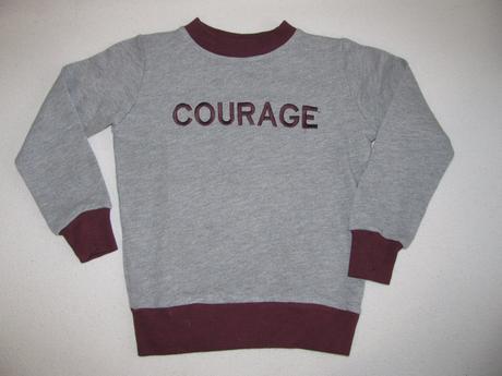 Mikina-s nápisem odvaha, 104