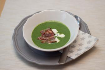 Špenátová polévka s fazolemi