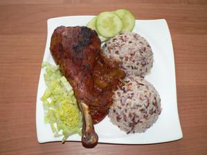 OBĚD: krůtí stehno na cibuli, tříbarevná rýže (naprosto výýýýborné! (ale tato porce tak pro dva lidi))