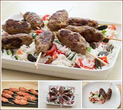 Špízy z mletého masa a řecký rýžový salát