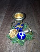 Modrý vánoční svícen,