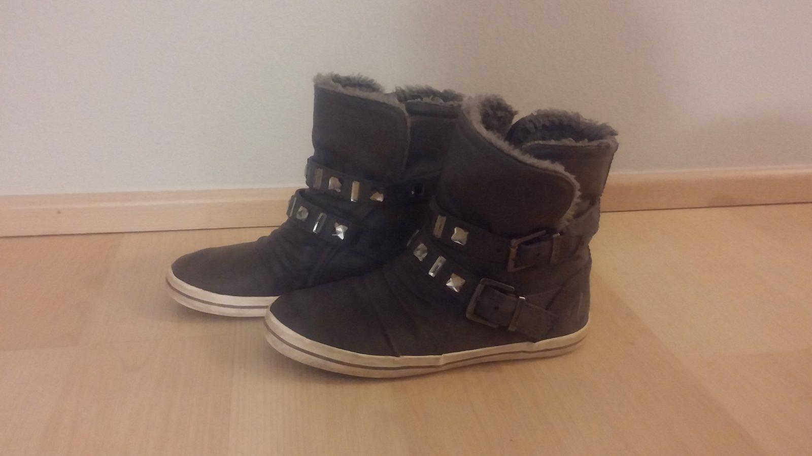 7ca4fd218c Zimní kotníkové boty