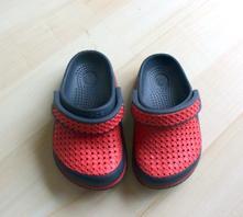 Dětské žabky a kroksy   Sytě červená - Dětský bazar  d5b359e66a
