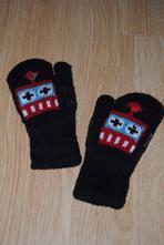 Modré rukavice s robotem, 104