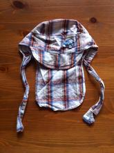 Kostkovaná kšiltovka s krempou vzadu, 50