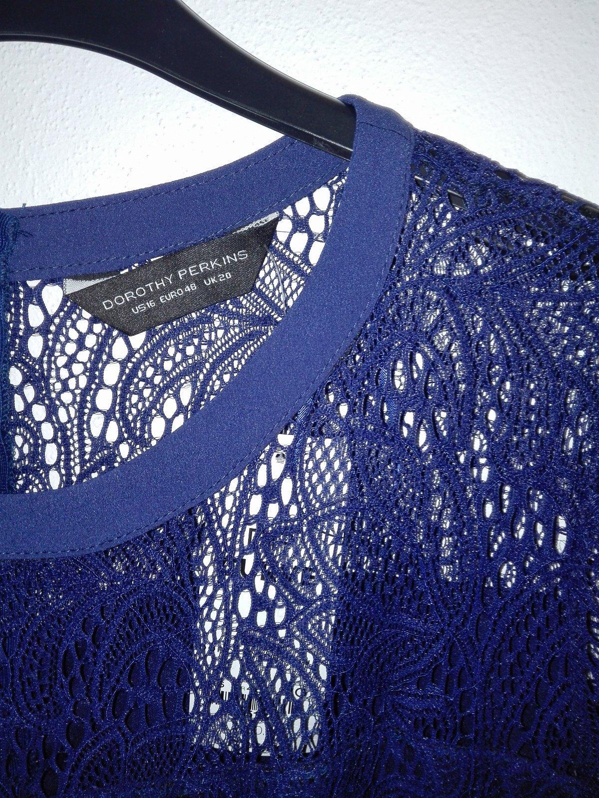 5abf833c49fc Nové značkové šaty