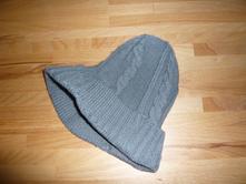 Zimní čepice s kšiltem, 92