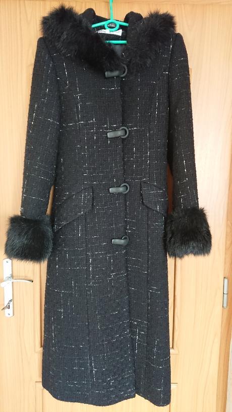 Dlouhý zimní kabát s kapucí, 36