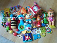 Sada, set hraček pro nejmenší, chrastítka,