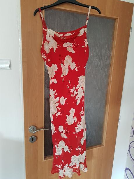 Dámské letní šaty, 38