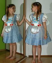 Karnevalové šaty alenka v říši divů,