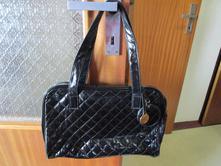 Pěkná černá lehká kabelka od oriflamu,