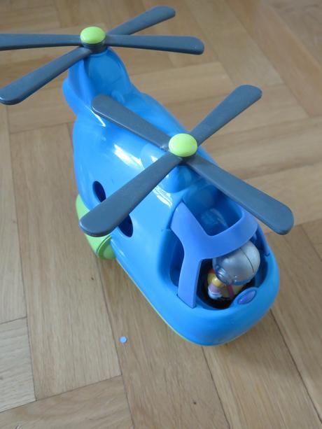 Mothercare velký vrtulnik s figurkou,