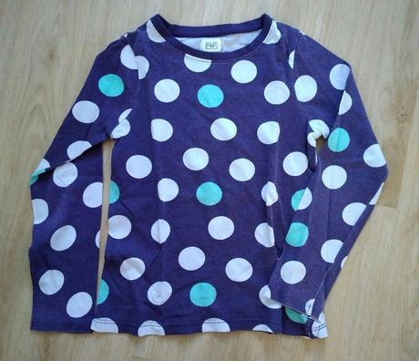E237 - fialové tričko s puntíky, f&f,110