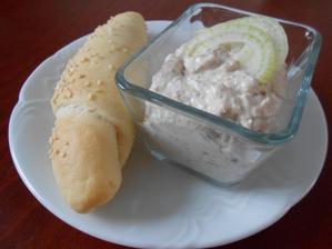 Rybičková s jogurtovým rohlíkem:)