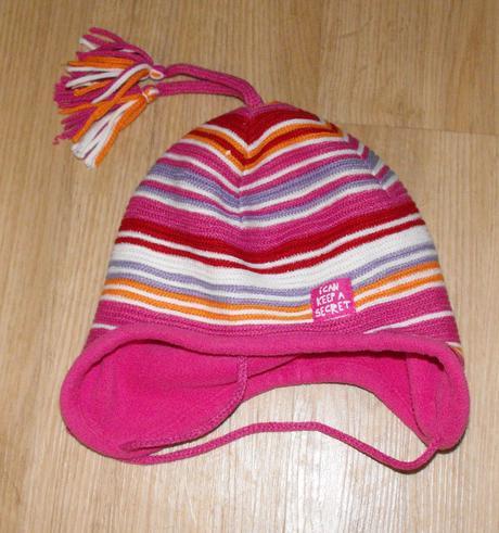E146. růžová proužková čepice, 80