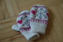 Pěkné holčičí rukavice s vločkou vel. 2-3 roky, 92