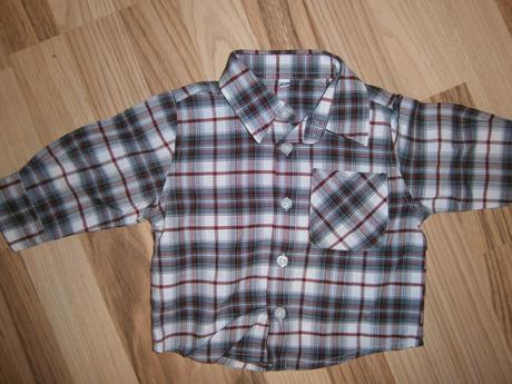 Košile s nápisem na zádech, 68