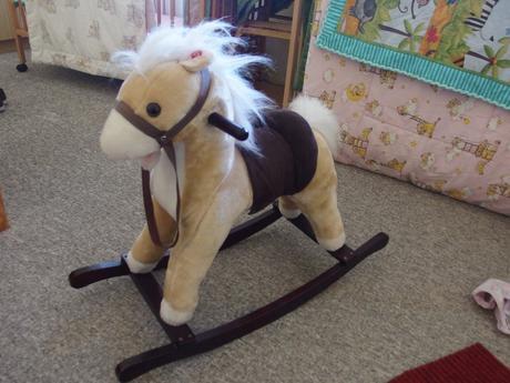 Houpací kůň - hrající,