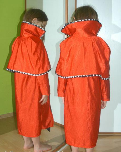 Karnevalový plášť pro prince,hraběte i čerta,