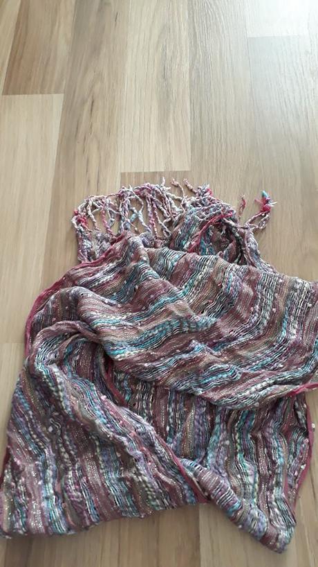 Barevný šátek, l