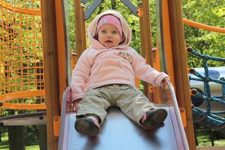 Chlupata mikina, hezka, vyborny stav, mothercare,80