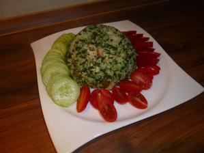 OBĚD: kuskus s krůtími kousky a špenátem, zelenina