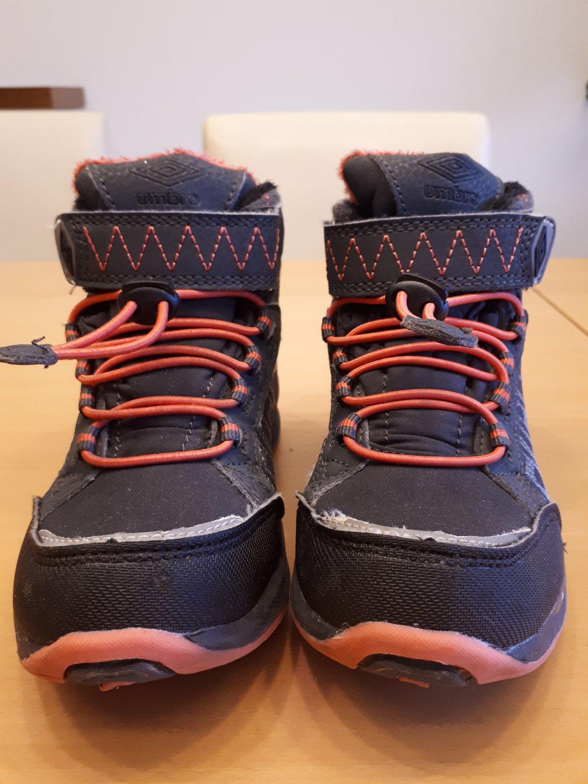 c4ccc63912c Zimní kotníkové softshellové boty umbro
