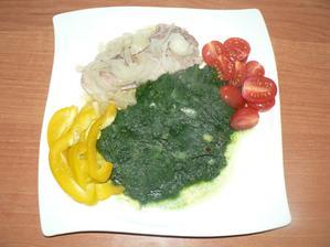 OBĚD: vepřový plátek pečený s cibulí v alobalu, špenát