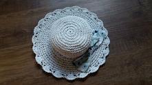 Krásný modro-bílý klobouček next, next,92