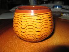 Hrníček/kalíšek bulharské keramiky,