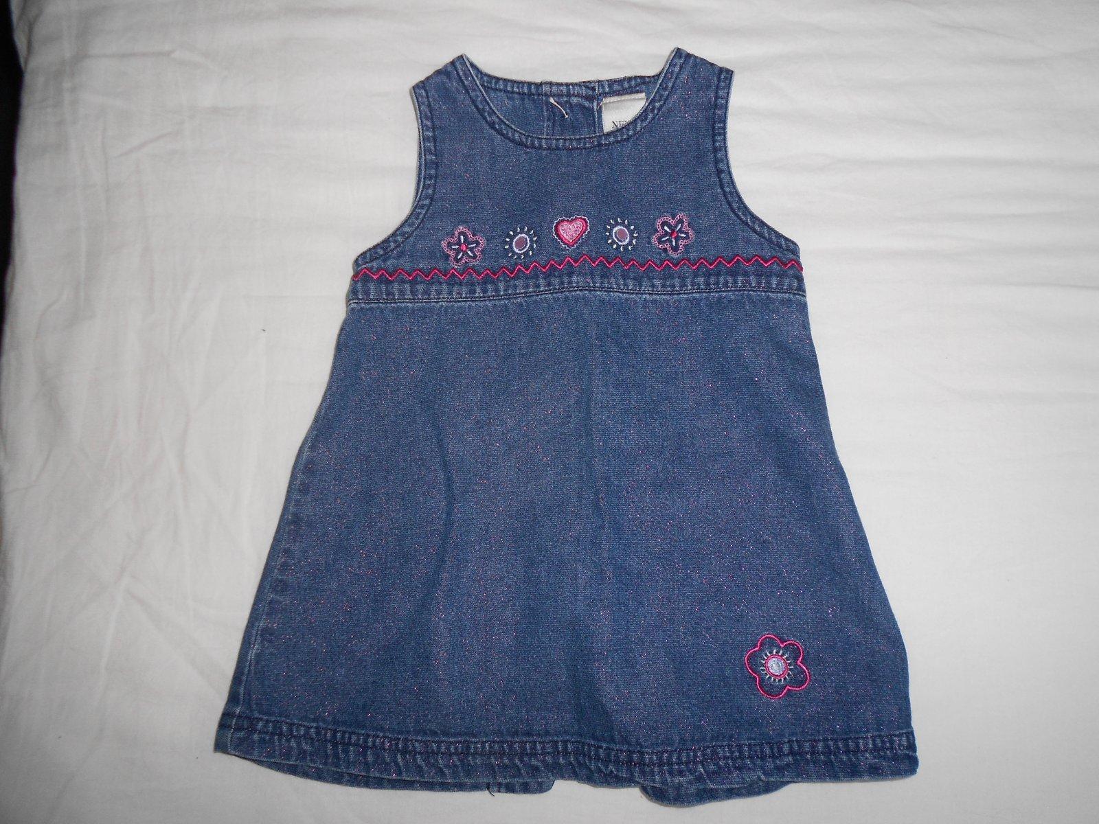 0045a55ee28 Riflové šaty