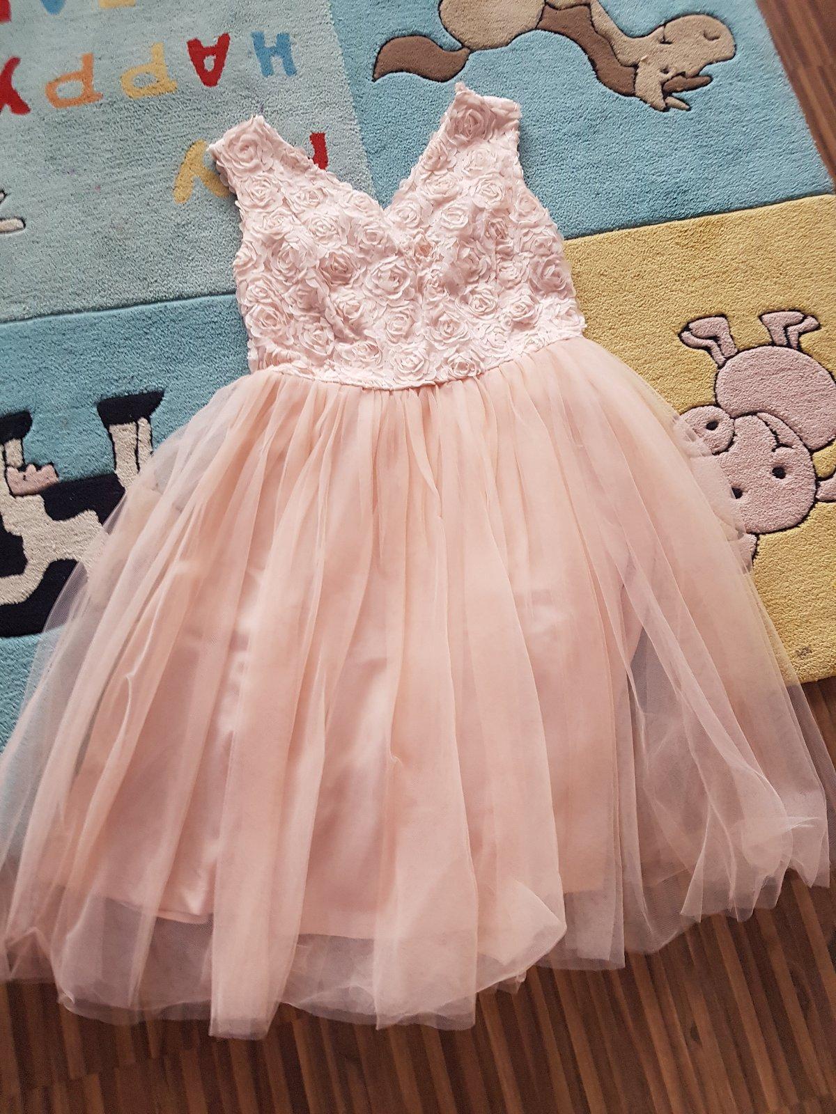 7594a8e637d Společenské šaty