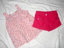 Letní topík s jablíčkama a sytě růžové šortky, h&m,122