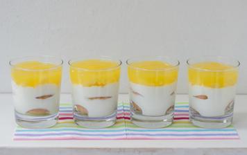 Tvarohovo-jogurtové poháry s ananasem